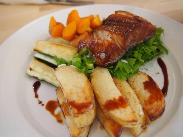 Victoria BC Eat Restaurant Tourist Tourism