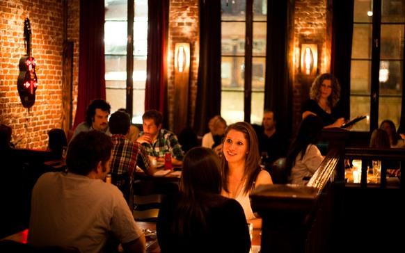 Ferris' Upstairs Victoria BC Restaurant Tourist Tourism